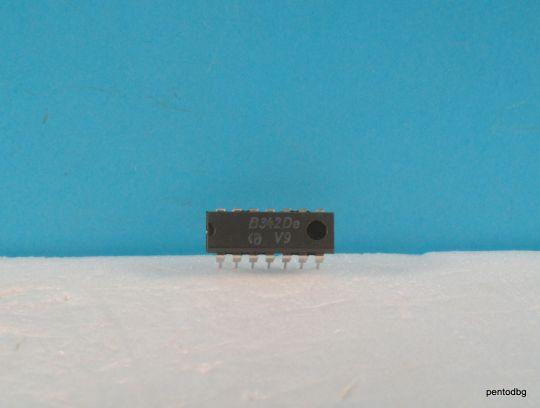Транзисторна сборка B352D  NPN 15V 10mA 100mW DIL14 RFT