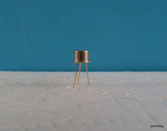 Транзистор  КТ928А NPN 0.8A 60V 250MHz 0.96/2/W позлатен