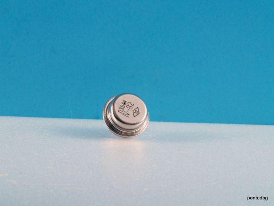 Транзистор  П302  PNP 0.5A 30V 0.2MHz 7W