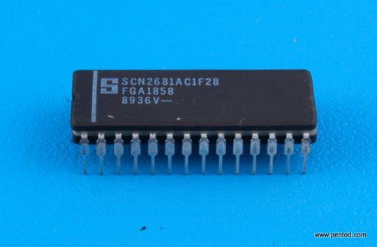 SCN2681AC1F28 Двоен асинхронен ресирвер трансмитер/DUART/ Signetics