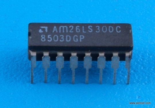 AM26LS30DC Двойна диференциална RS-422 Дуплексна линия/ четири единични крайни RS-423 линейни драйвера