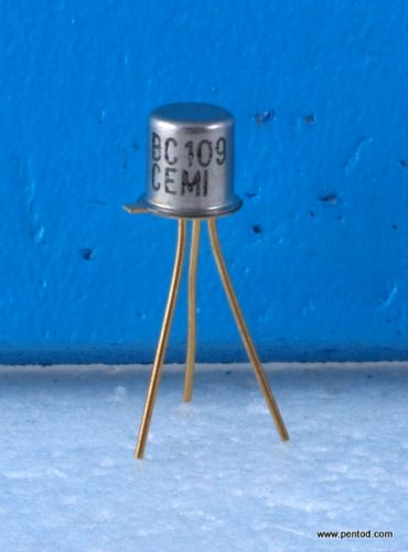 Транзистор BC109 NPN 0.2A 25V 150MHz 0.3W позлатени изводи