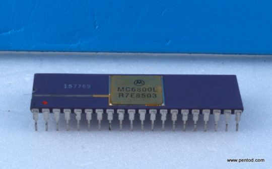 MC6800L 8-BIT MICROPROCESSING UNIT