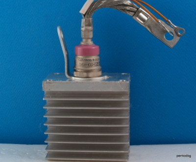Тиристор 100A  800V Т151-100-8-20  с охладител